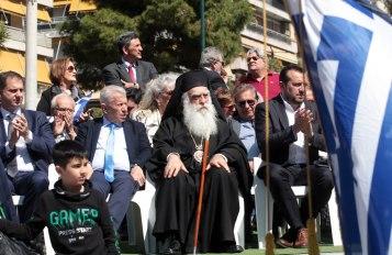 Ο Δήμαρχος Σταύρος Τζουλάκης και ο Μητροπολίτης Συμεών, με τους κ. Νίκο Παππά και Χάρη Θεοχάρη