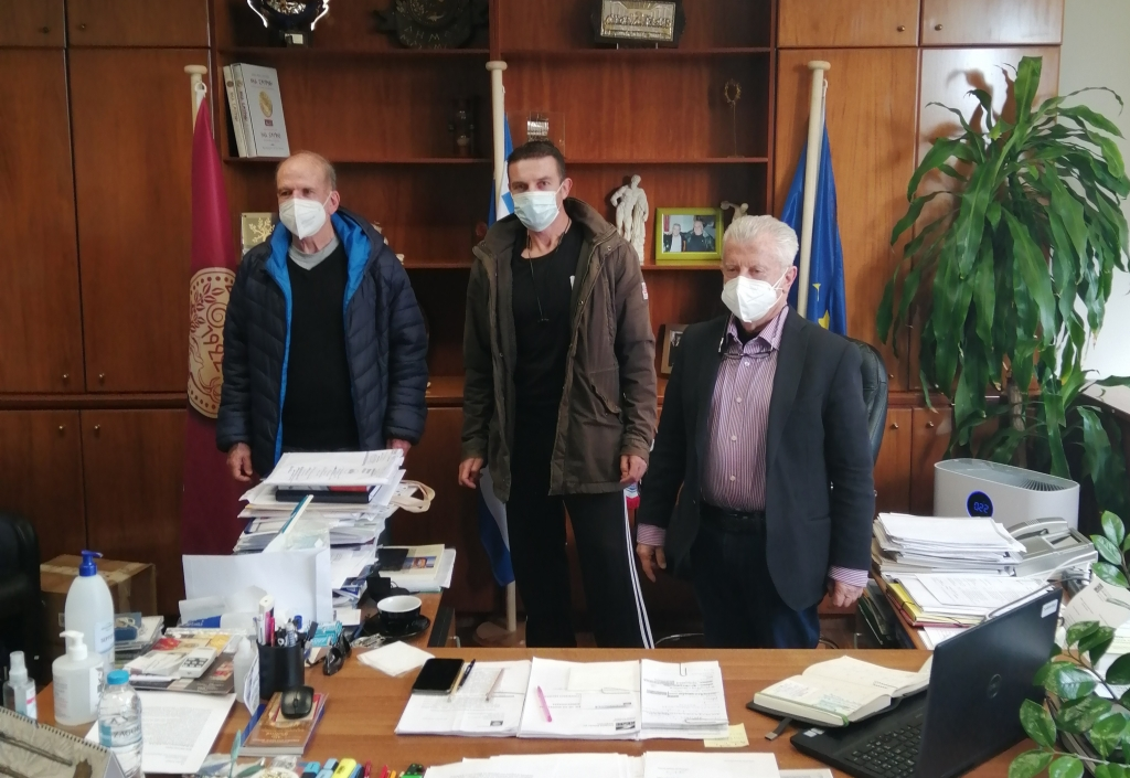 Ο Δήμαρχος Νέας Σμύρνης Σταύρος Τζουλάκης, ο Πρόεδρος του Πανιωνίου ΓΣΣ Άρης Μισαηλίδης και ο εργολάβος Βασίλης Πανανάκης